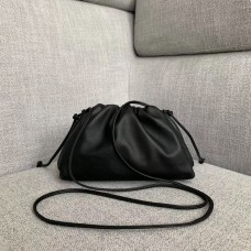 BOLSA BOTTEGA VENETA THE POUCH 20